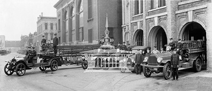 Janesville Fire Department with ladder truck, ca 1924