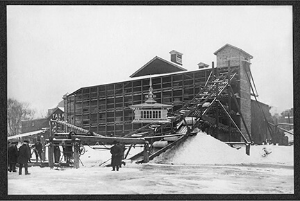 City Ice harvest from Rock River, 1907