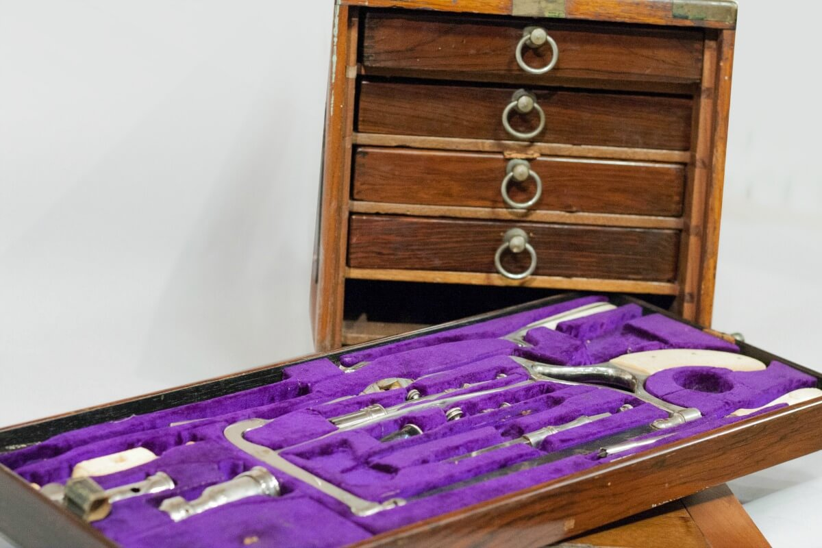 Dr. Henry Palmer's surgical kit